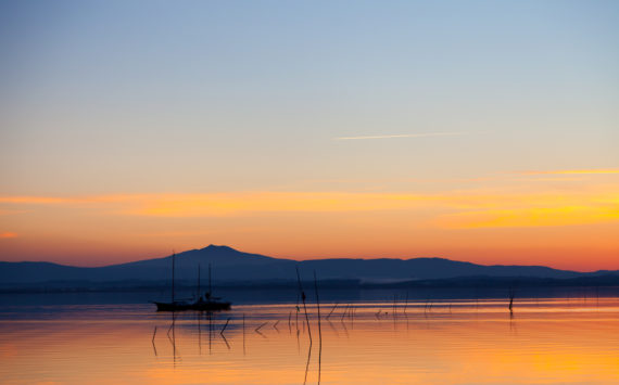 Lovely sunset in Lake Trasimeno, Italy